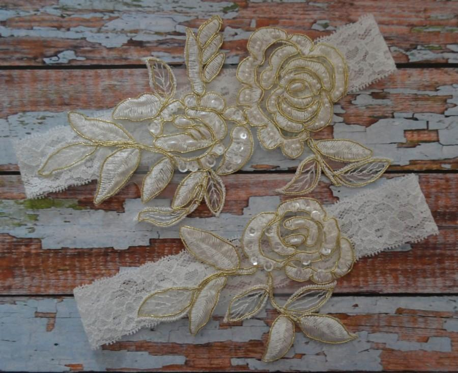 Свадьба - Ivory Gold Lace Wedding Garter Set, Ivory Floral Lace With Gold Trim Wedding Garter, Ivory Beaded Lace Bridal Garter, Ivory Garter Belt, IG1