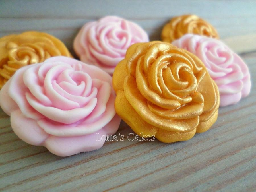 Mariage - 30 Sugar Edible Flowers, Gumpaste Roses Fondant, Edible Cake Fondant Topper, Fondant Cupcake Toppers, Gold Pink Party Edible Decorations