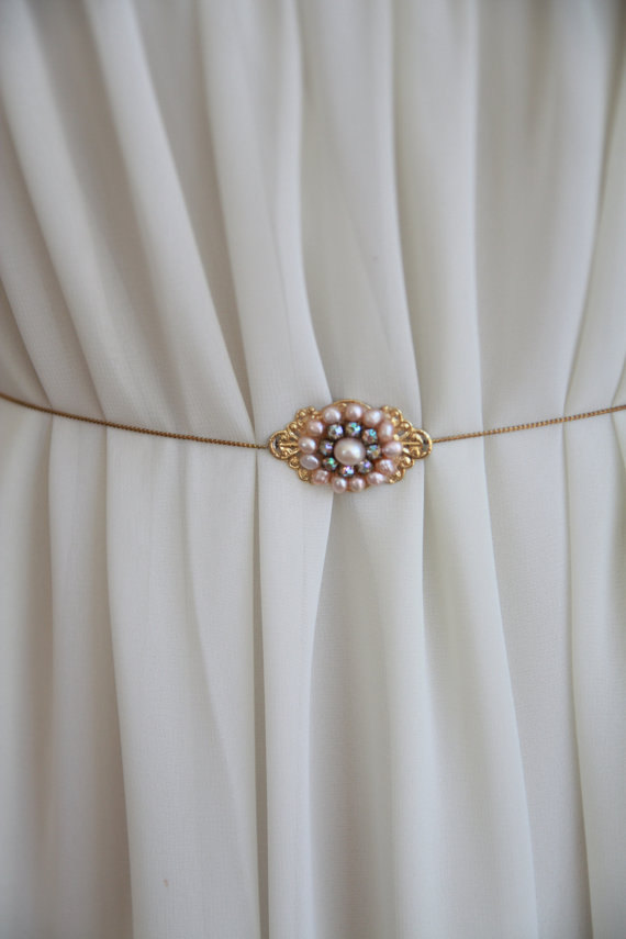 Mariage - Bridal Belt Sash Bridal Sash Golden Victorian Belt Freshwater Pearls Bridal belt Rhinestone Vintage belt Art Deco Ivory Pearls Crystals Pink