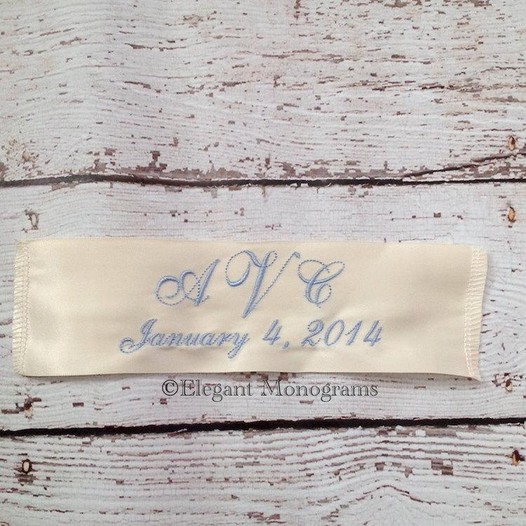 Mariage - Ivory or White Personalized Wedding Dress Label