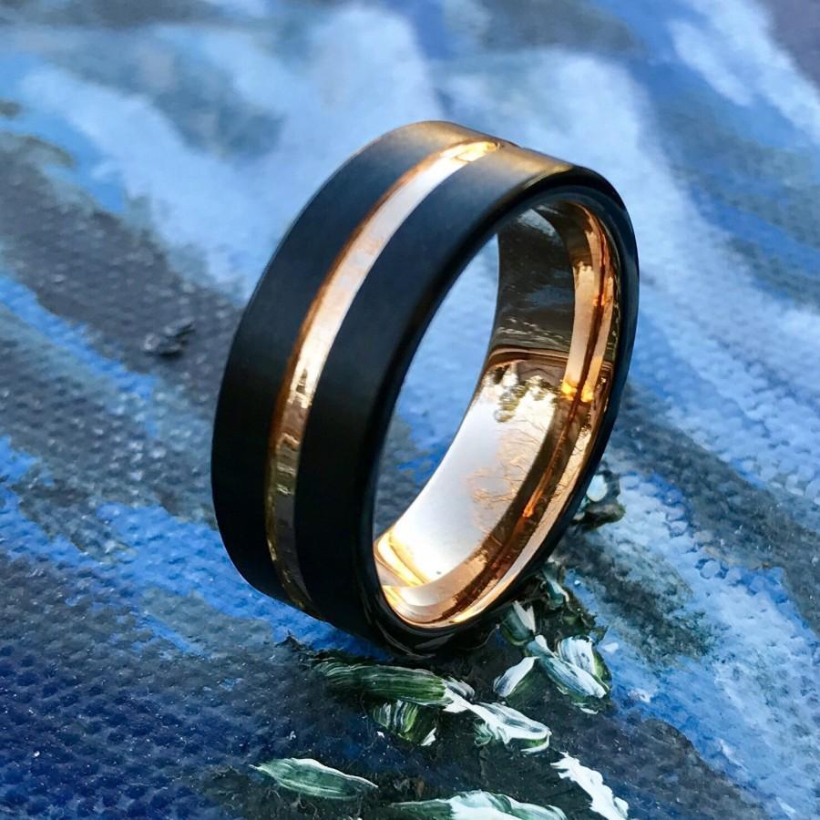 زفاف - Mens Tungsten Wedding Band, 8mm Tungsten Band, Rose Gold Tungsten, Matte Black Finish, Comfort Fit, Unisex Tungsten ring,