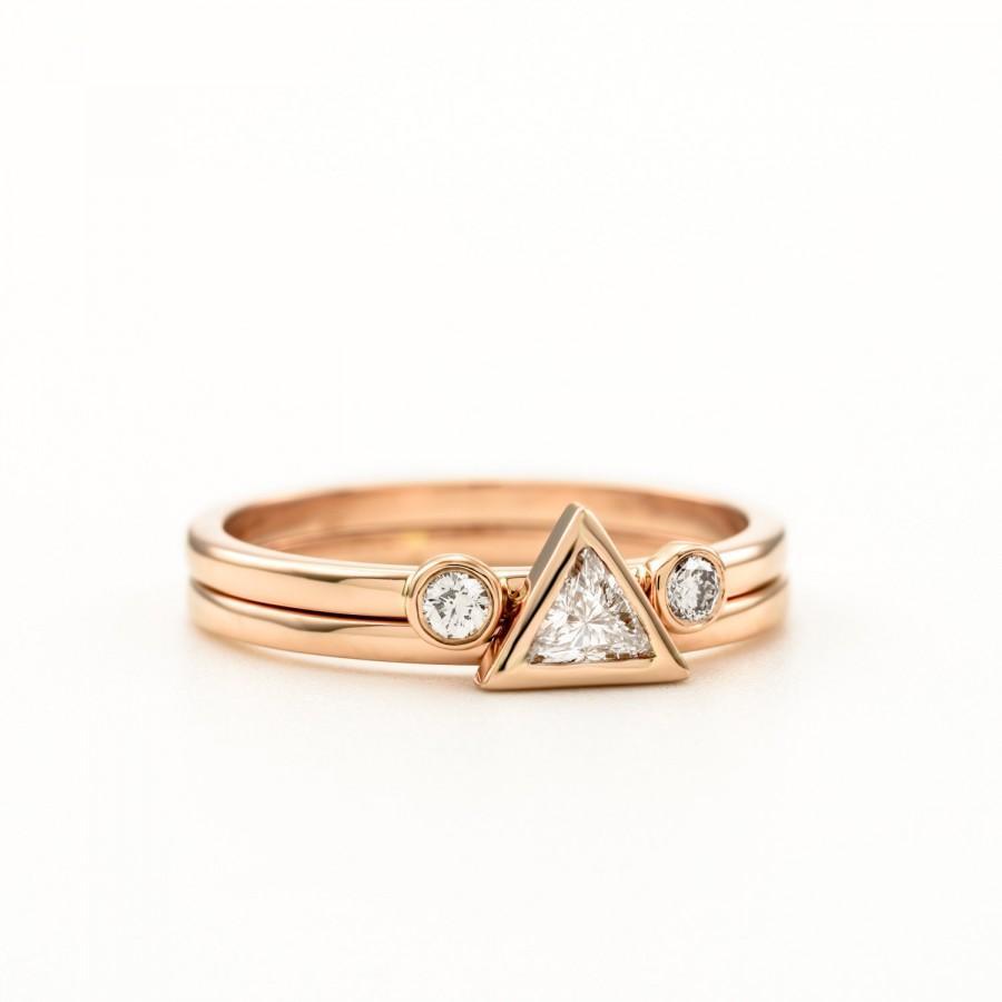 زفاف - Bridal Ring Set ~ Trillion ring ~ Triangle engagement ring & Two Diamonds Wedding Ring ~ Simple engagement ring set