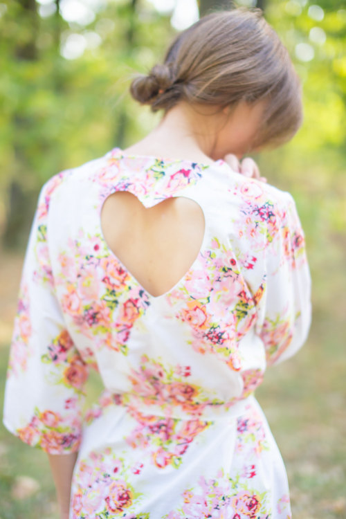 Mariage - Add Heart Cut Outs on the back of the Robes