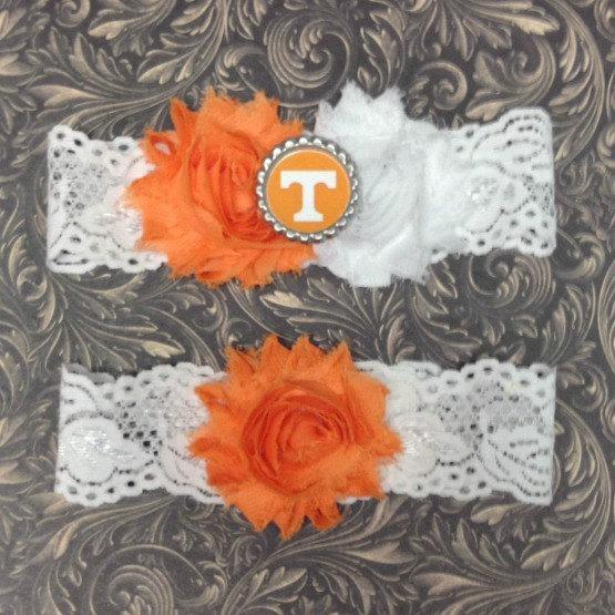 Свадьба - Tennessee Volunteers Inspired Wedding Garter Set Bridal Lace Garters Toss NCAA Engagement - UT Vol Fan Basketball Keepsake Gift Bride Shower