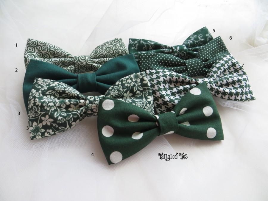 Mariage - Hunter Mismatched Green Wedding Bow Ties, Emerald Wedding Bow Ties, Groomsmen Bow Ties, Matching Bow Ties