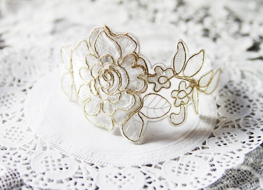 Свадьба - Bridal Garter Wedding Garter Lace Garter - Soft White Ivory Gold Garter Flower Garter Floral Garter Rustic Garter Belt Bohemian Garter Boho