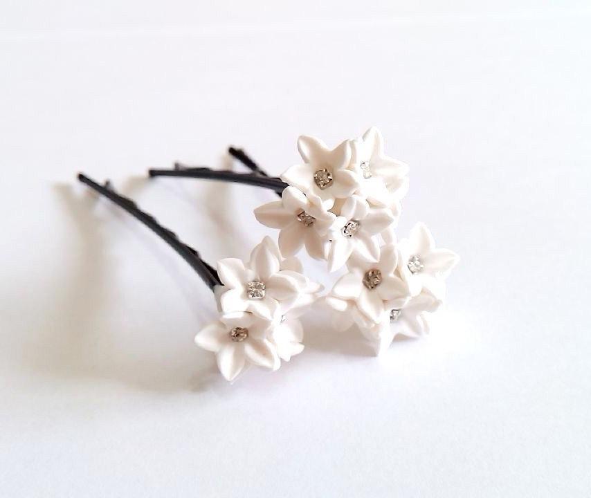 Свадьба - Small White flower Hair Clips. White Wedding flower. Hair Accessory. Wedding Hair Pins. Bridal. Set