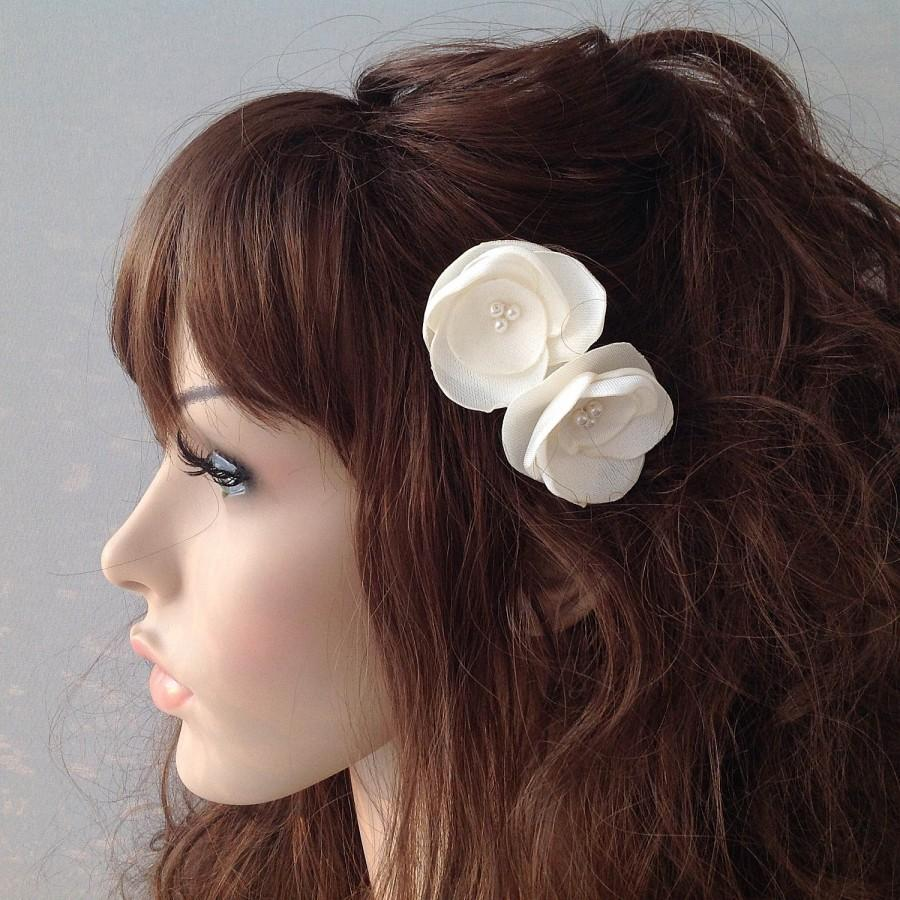 Wedding - ivory flower hair pin, bridal accessory, brides flowers, bridesmaid gift - $12.00 USD