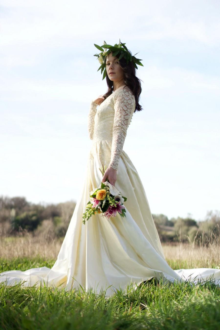 NIGHTINGALE 18's Vintage Wedding Gown Stunning Vintage Bridal ...