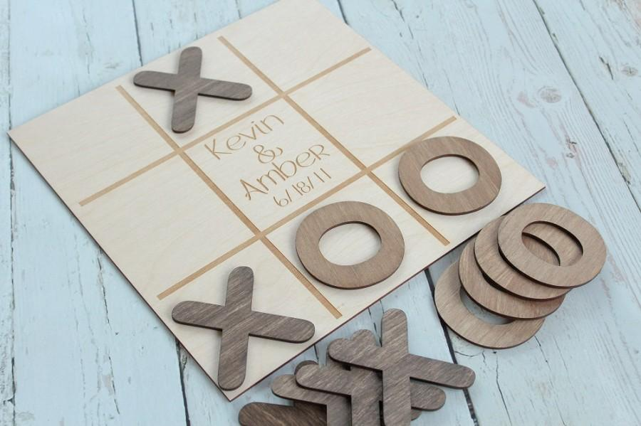 Hochzeit - Noughts and Crosses Wedding Game Custom Wedding Game Rustic Wedding Game Table #DownInTheBoondocks