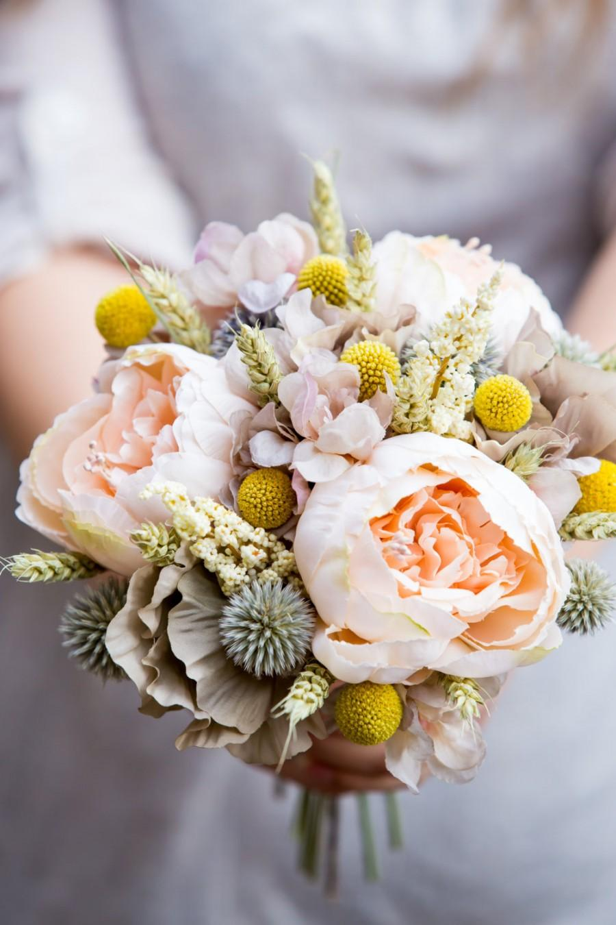 Mariage - Peach peony country meadow bridal bouquet