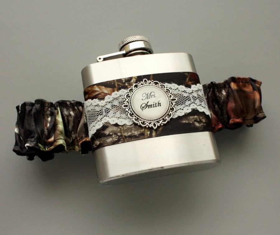 Mariage - Camouflage FLASK GARTER - Personalized Camo & Lace Wedding Garter Flask