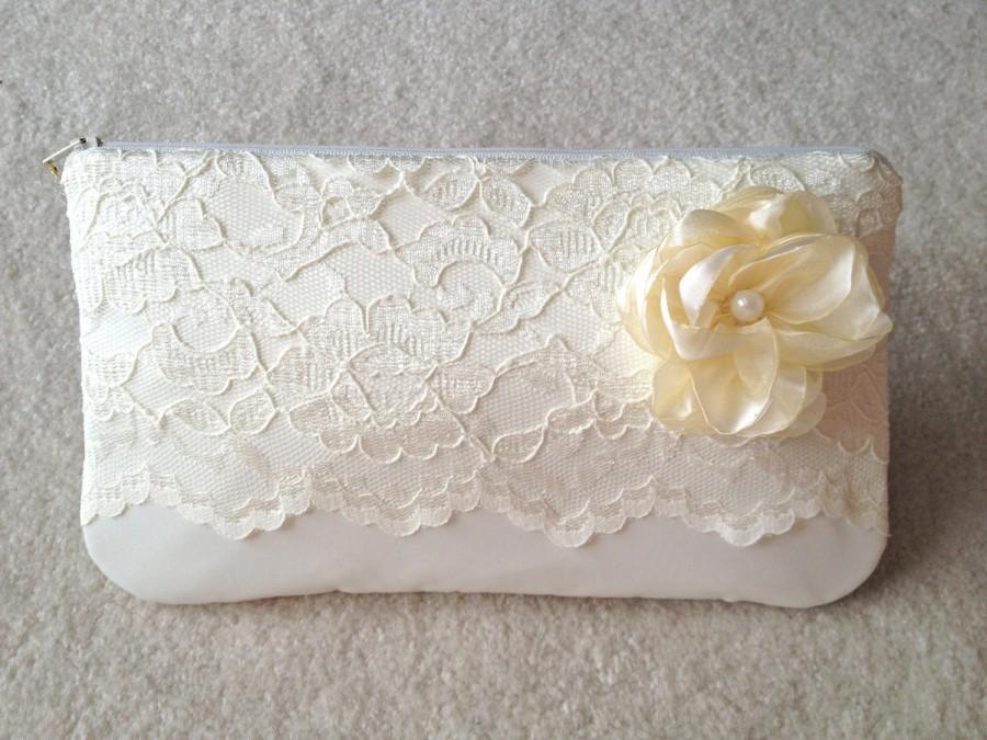 زفاف - ivory lace wedding clutch with flower and pearl center