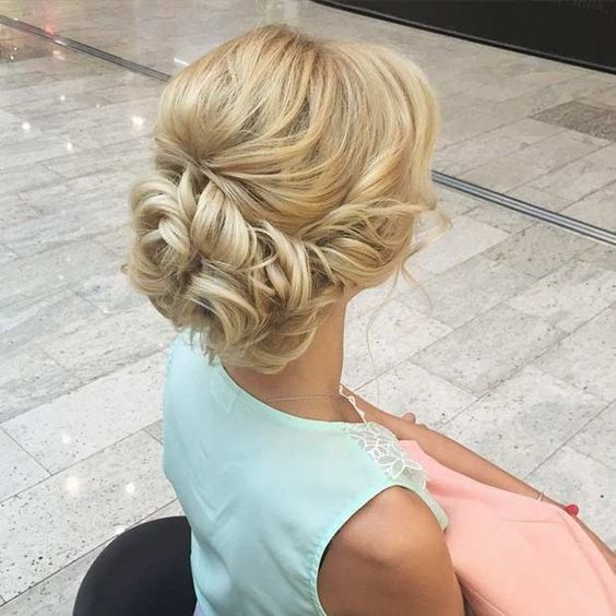 زفاف - 10 Pretty Messy Updos For Long Hair: Updo Hairstyles 2017