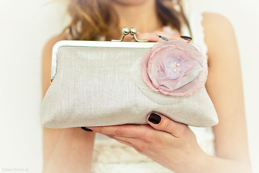 Mariage - Dusty pink purse Pastel bridesmaid clutch Wedding bag Silver kisslock frame Romantic Spring Party Made in England UK Europe