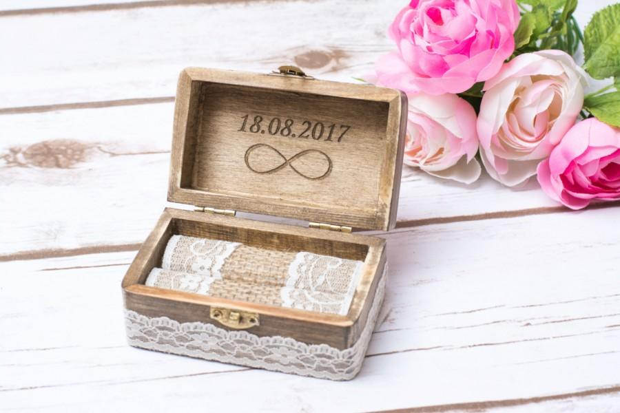 Hochzeit - Rustic Wedding Ring Box Bearer Infinity Personalizied infinity ring holder Wedding Ring Box Holder