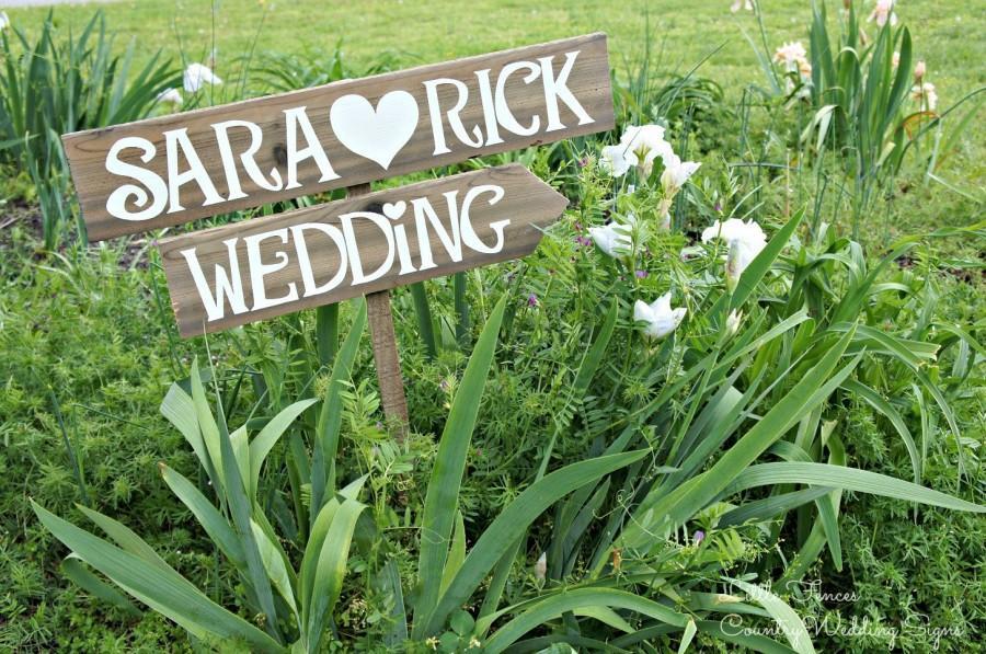 Hochzeit - Rustic Wedding Signage, Rustic Wedding Sign, Woodland Wedding Decor, Wedding Signage, Rustic Wedding Decor, Custom Signage, Beach Arrow Sign