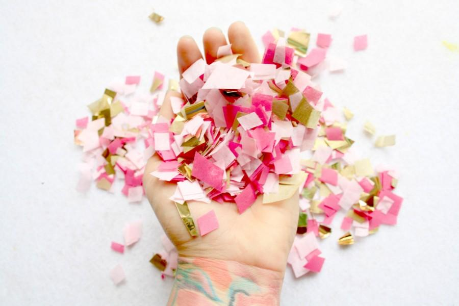 Mariage - Blush Gold and Cerise Pink Confetti, Wedding Table decor, Party Decoration, Biodegradable Confetti Toss, Baby Shower Decor, Gender Reveal