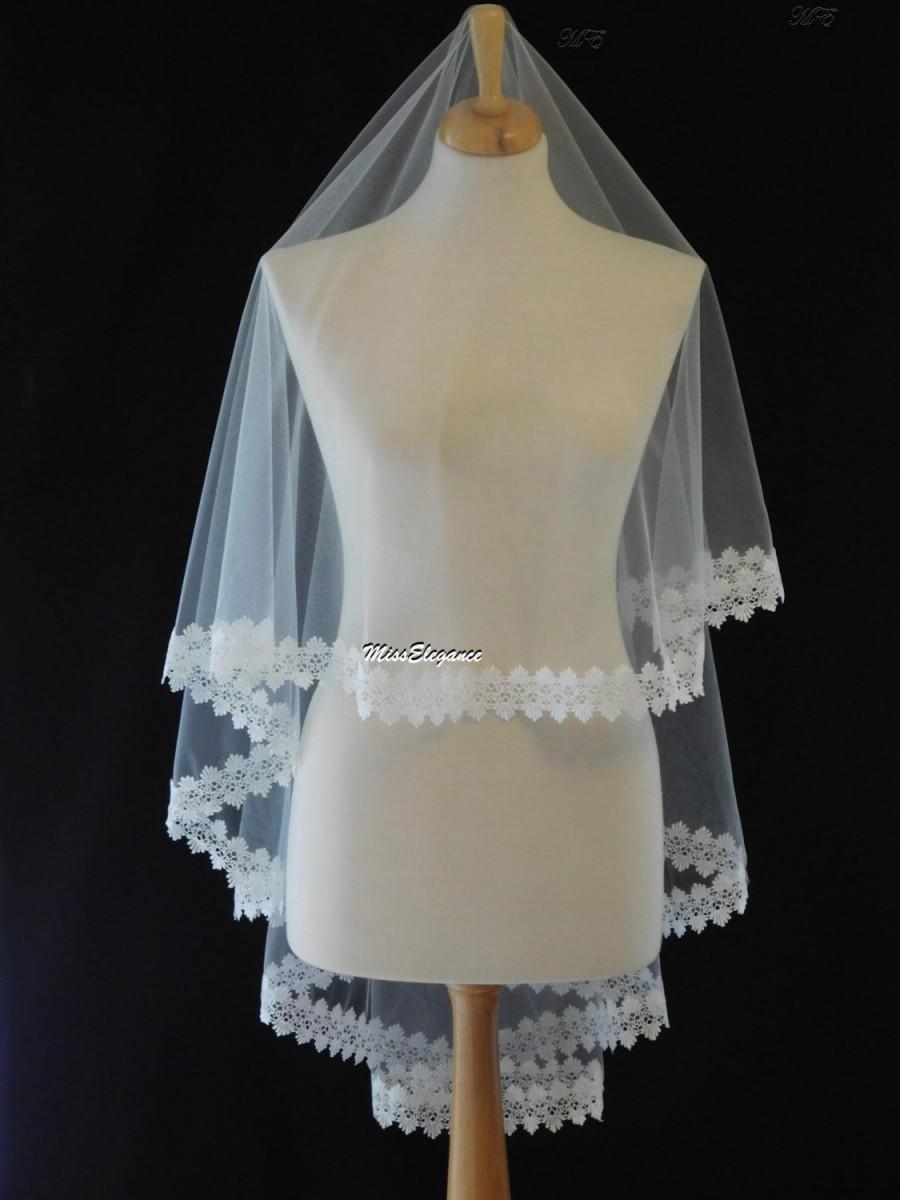 Mariage - Bridal veil, Wedding veil. Lace edge veil. Drop veil. kate middleton style drop veil. Lace edge veil. Available  Waist - Cathedral length