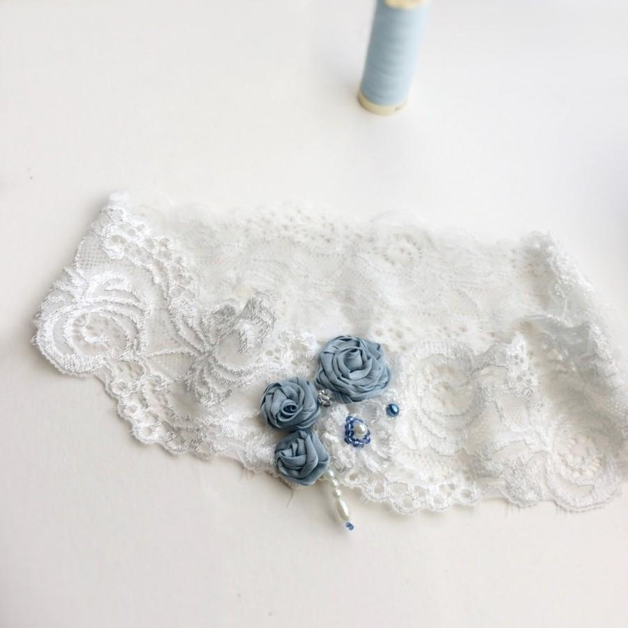 Свадьба - Lace bridal garter with blue roses, a great toss garter or gift for bride to be, Blue Lily Magnolia