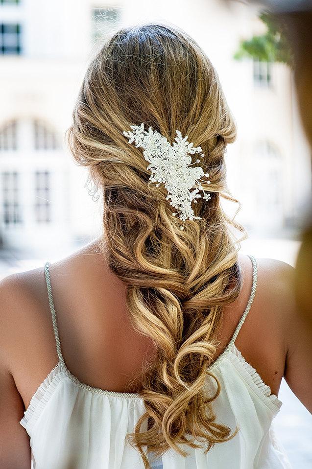 Свадьба - Ivory lace hair crown. Handmade bridal lace hair piece. Bridal lace fascinator. Vintage wedding head piece .Wedding hair crown.
