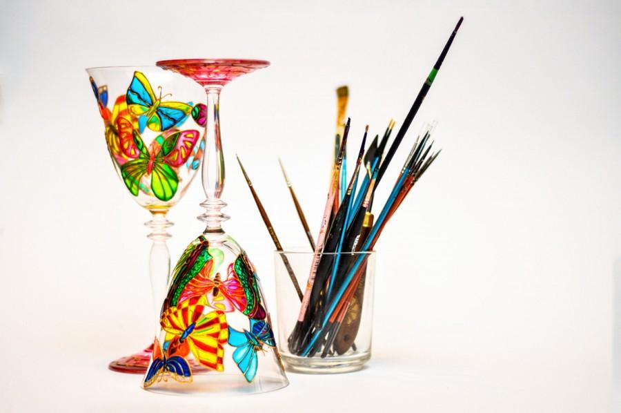 Свадьба - Butterflies Wine Glasses Summer Wedding Glasses, Hand Painted Glassware, Set of 2 Toasting Glasses - $62.00 USD