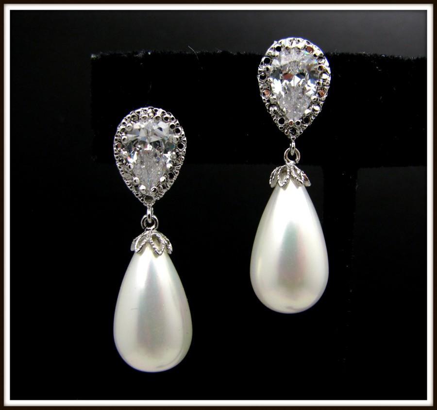 Mariage - wedding bridal jewelry bridesmaid gift teardrop white or cream shell pearl earrings with cubic zirconia deco teardrop post earrings