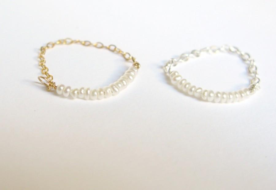 زفاف - Dainty pearl chain rings-tiny cultured pearl stacking rings-sterling silver or gold filled chain ring