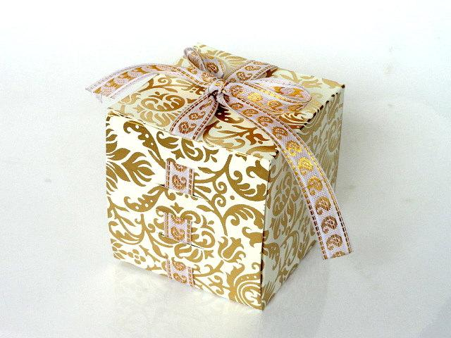 Hochzeit - Wedding favor boxes in Gold on Ivory Damask Print Favor Box & Gift Box  Ribbon Box- Set of 10 Packaging boxes, wedding favor box