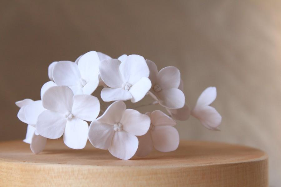 Mariage - White hydrangea. Hair bobby pin polymer clay flowers. Set of 8. 8 hydrangeas - 8 pins