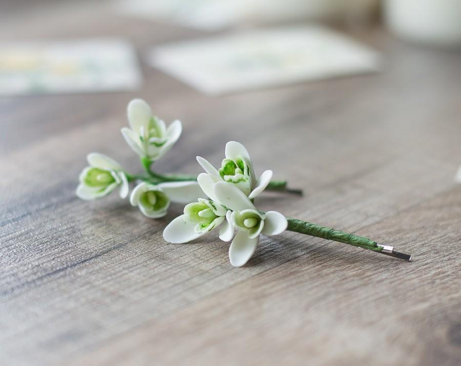 Hochzeit - Snowdrop hair clips - bridal hair bobby pins - winter hair clips - winter white flower wedding - holiday hair clips - woodland wedding