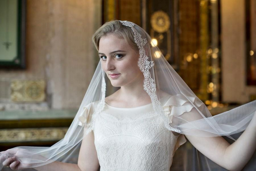 Juliet Cap Or Mantilla Style Bridal Veil Vintage Wedding In Soft Ivory Tulle Kate Moss 1920s