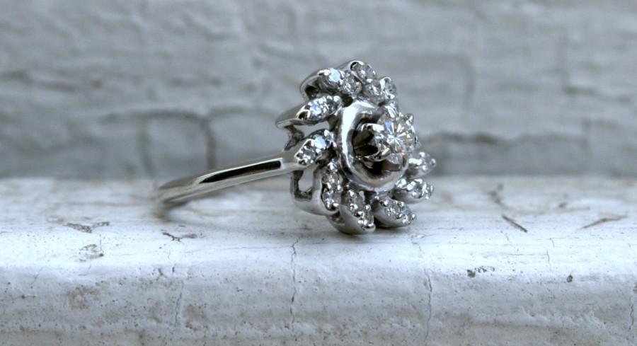 Mariage - Swirly Retro Vintage 14K White Gold Diamond Engagement Ring -0.60ct.