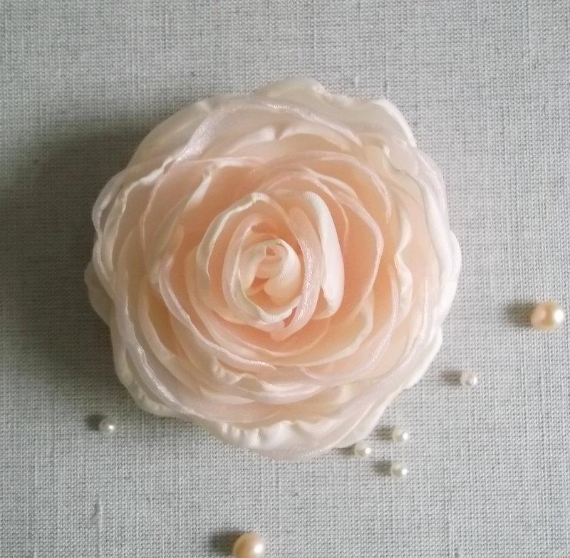 Свадьба - Nude Pale Peach Blush Ivory fabric flower Rose handmade Bridal Veil Fascinator Hair Bobby Pin Alligator Clip Bridesmaids, Dress Sash Brooch