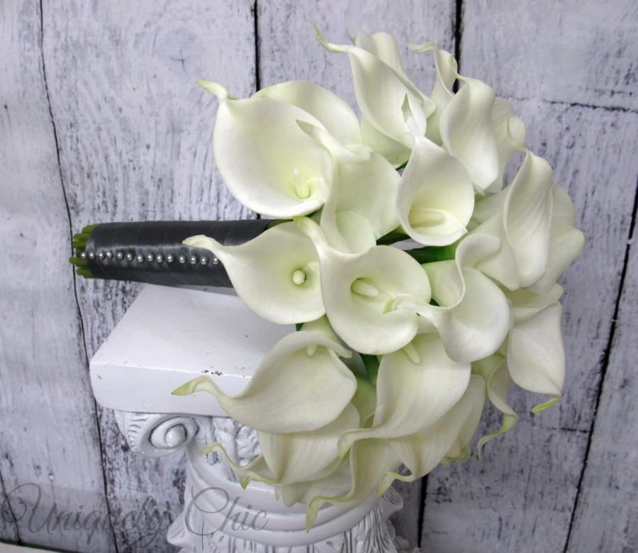 Mariage - Wedding bouquet, White calla lily bridal bouquet, Real touch Wedding flowers, White and Gray Brides bouquet