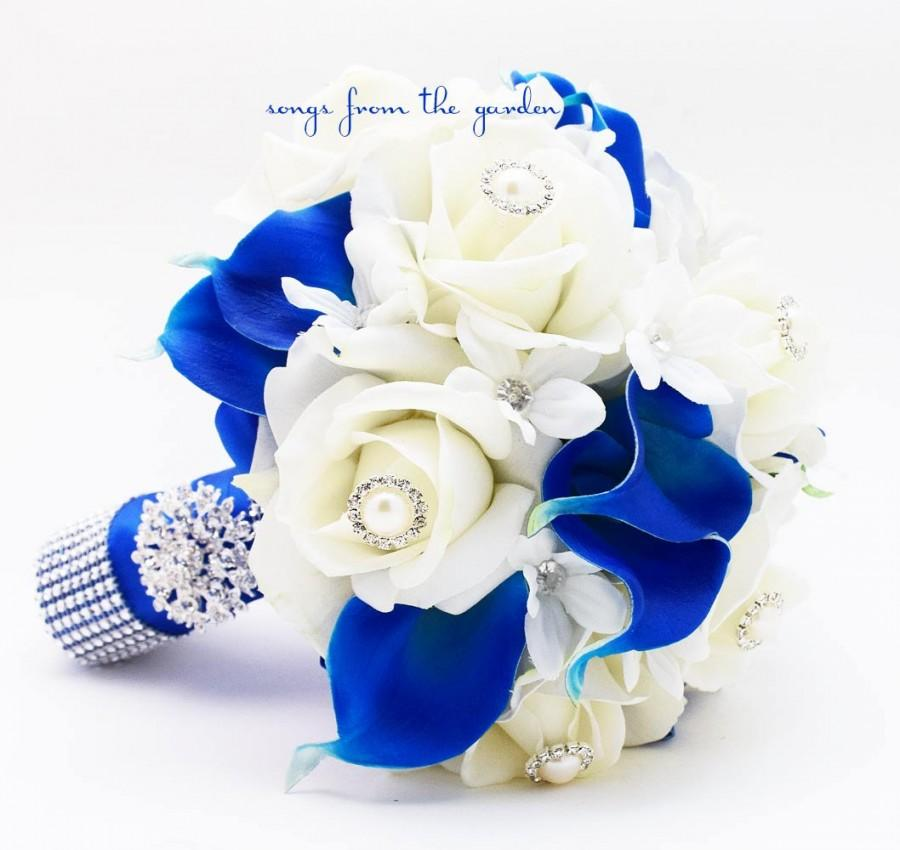 Свадьба - Royal Blue & White Bridal Bouquet Roses Calla Lilies Stephanotis with Groom's Boutonniere - White Royal Wedding Bouquet Pearl Rhinestones