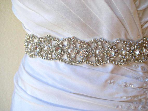 Свадьба - Ready to ship.  Bridal beaded swarovski pearl, crystal sash.  Rhinestone embellished wedding belt.  CRYSTAL PEARLA
