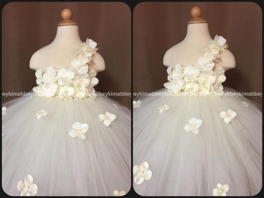 Mariage - beautiful flower girl dress with ivory hydrangeas  flowers