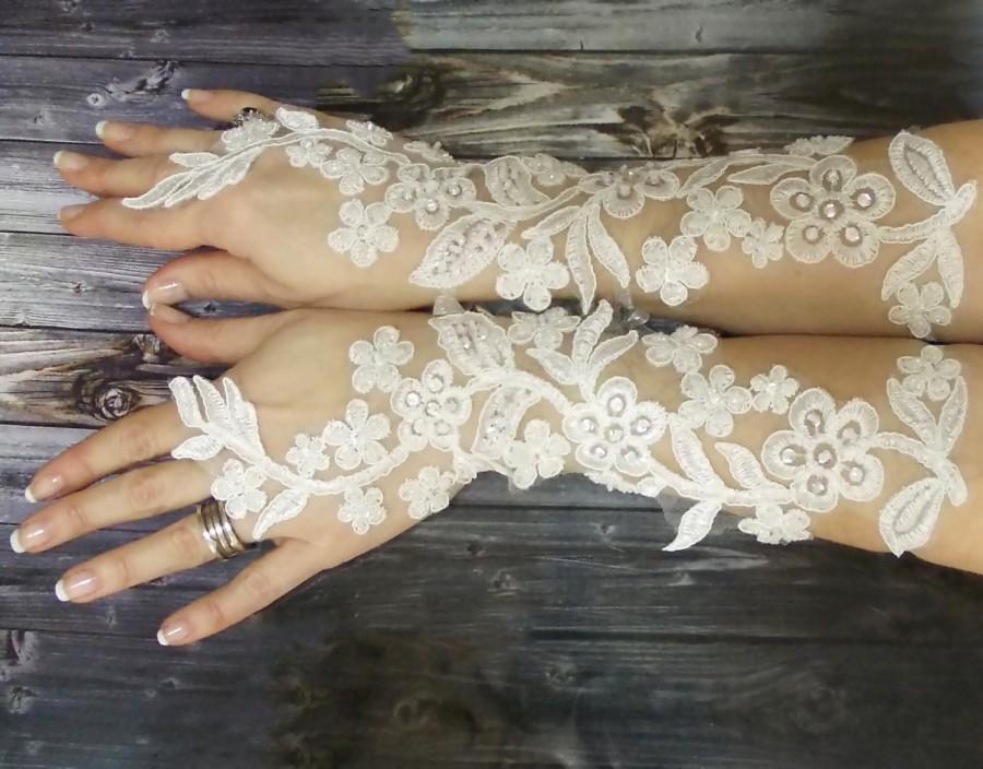 Свадьба - Ivory white long lace wedding gloves, french lace fingerless gloves, sophisticated lace wedding accessories - $74.00 USD