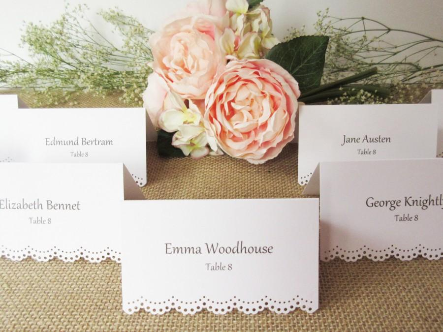 Custom Printed Eyelet Scallop Edge Tented Place Cards