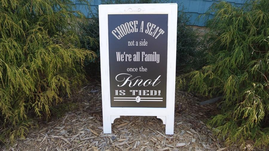 Mariage - Pick A Seat, Not A Side, Sign Chalk Board Easel, Rustic white frame, Wedding Chalkboard Easel, wedding sign, chalkboard sign