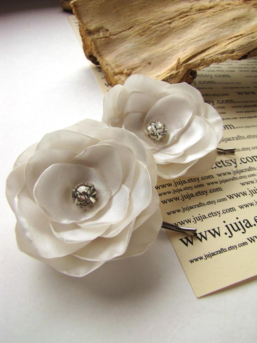زفاف - Bridal hair pins with satin fabric flowers (set of 2 pcs) - IVORY BLOSSOMS (with rhinestones)