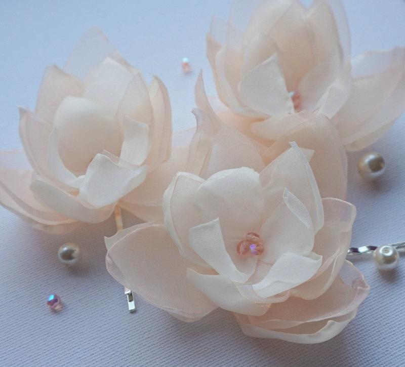 Mariage - Cream Ivory Peach fabric flower in handmade, Bridal hair shoe clip, Brooch, Dress accessory, Bridesmaids, Orchid flower, Flower girl, Set 3