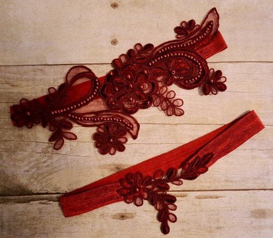 Свадьба - Dark Red Wine Lace Wedding Garter, Wedding Garter Set, Burgundy Beaded Lace Garter Belt, Vintage Style Lace Garter Set