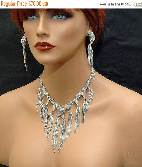 Mariage - Bridal Crystal Necklace, Statement Jewelry Set, Wedding Necklace Set, Chunky Necklace, Prom Bib Necklace, Silver Evening Jewelry - $63.00 USD