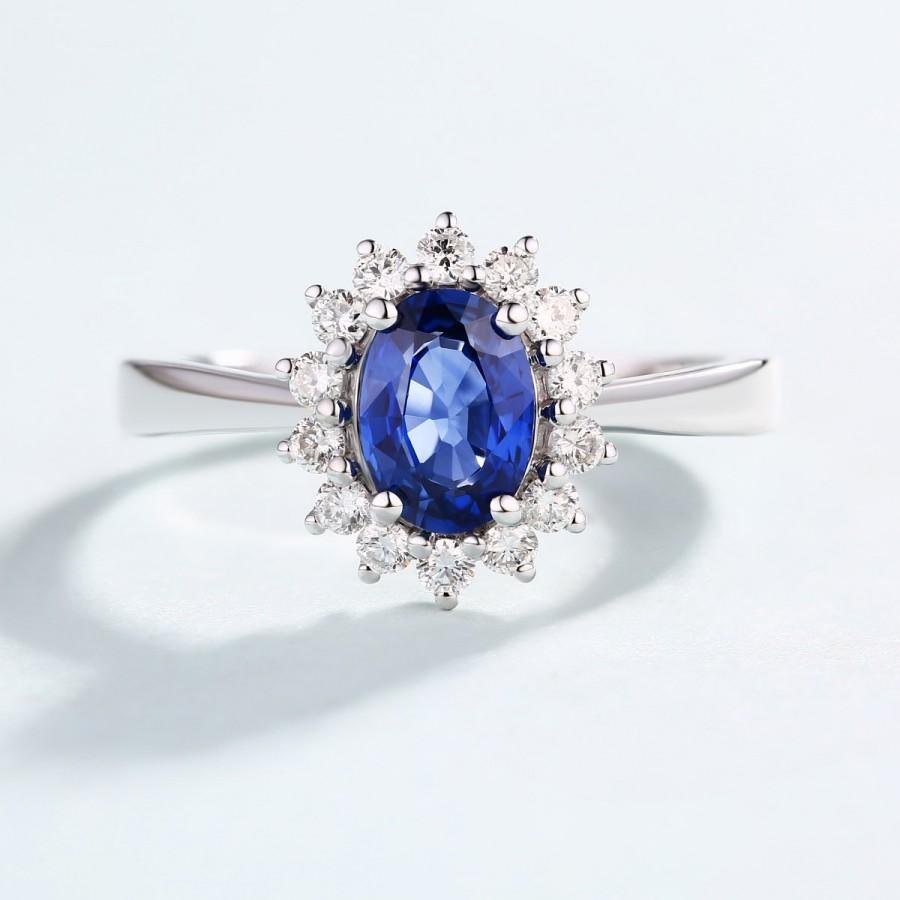 Hochzeit - Sapphire Engagement Ring, Natural Sapphire Diamond ring Solitaire  Birthstone Cluster Ring White Gold oval cut engagement ring