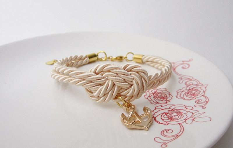 Свадьба - wedding favors,nautical bracelet with anchor cream, bridesmaid gift, bridal shower gift, tie a knot bracelet in cream,beach wedding - $12.00 USD