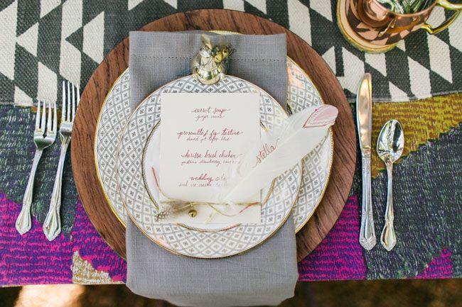 Hochzeit - Mariage & Lifestyle: DIY Marque-place/escort Card Plume -