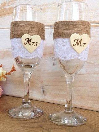 Mariage - Wedding Toasting Glasses Personalized Rustic Wedding Mr MRs Flutes Champagne Glasses