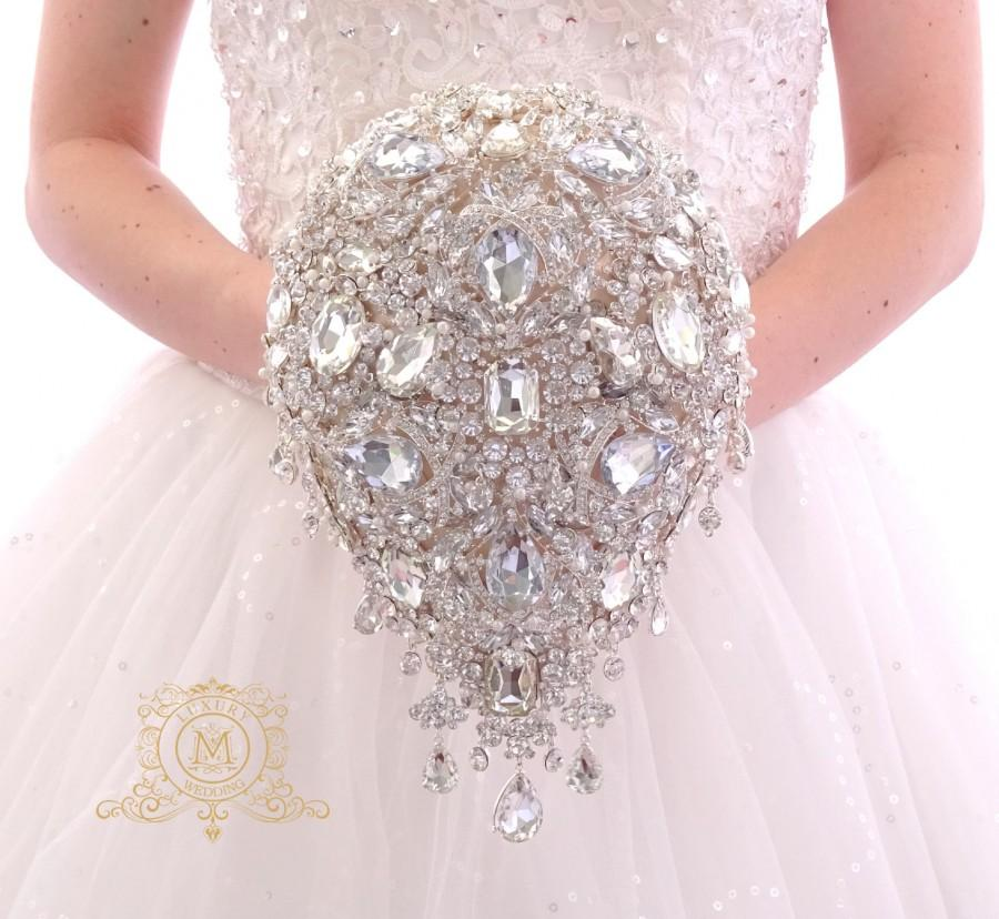 Mariage - Luxury teardrop jeweled silver crystal brooch bouquet by MemoryWedding. Wedding glamour Gatsby crystal bling cascading.
